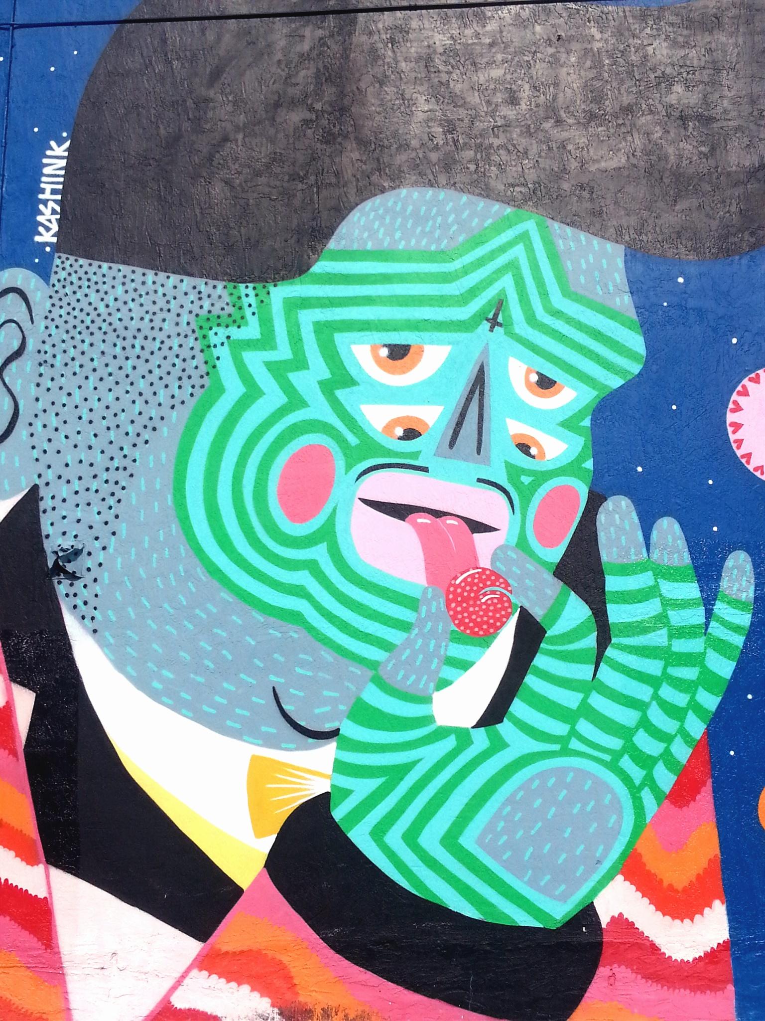 kashnik eating street art miami