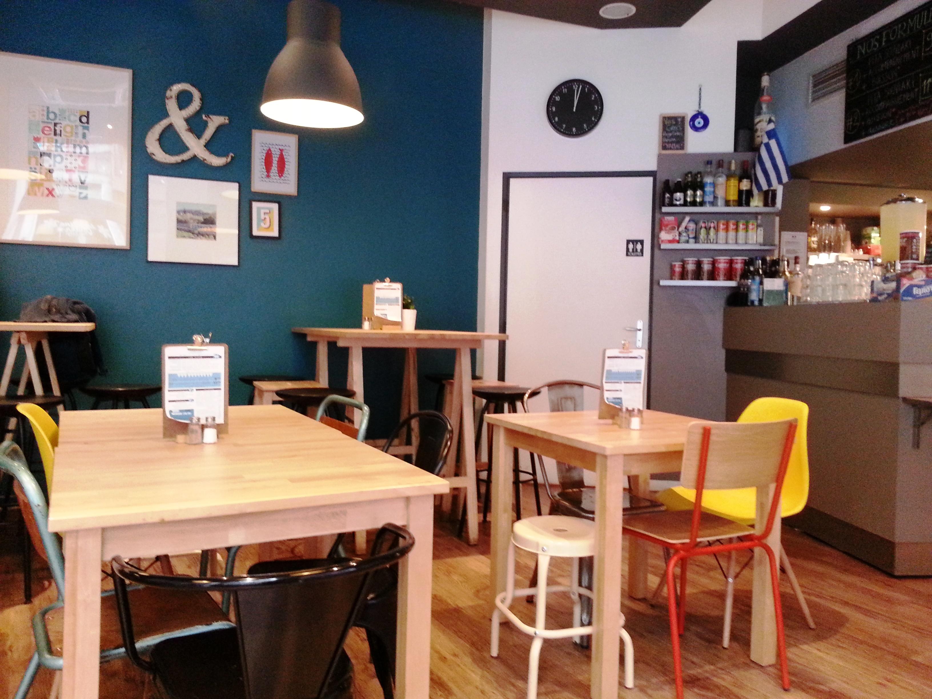 athina lyon café grec rue romarin deco indus cosy cantine