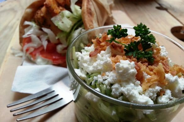 athina souvlaki café grec rue romarin lyon courgettes menthe feta oignons frits pita poulet