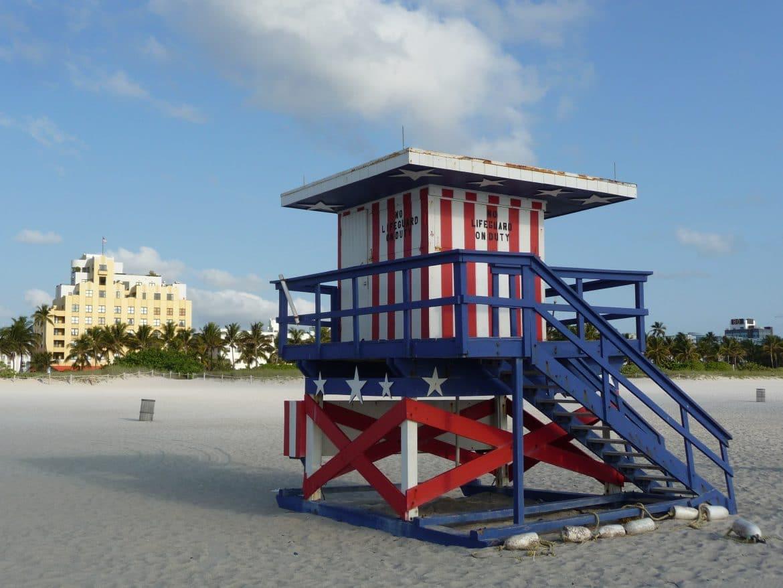 lifeguard cabin miami beach usa flag