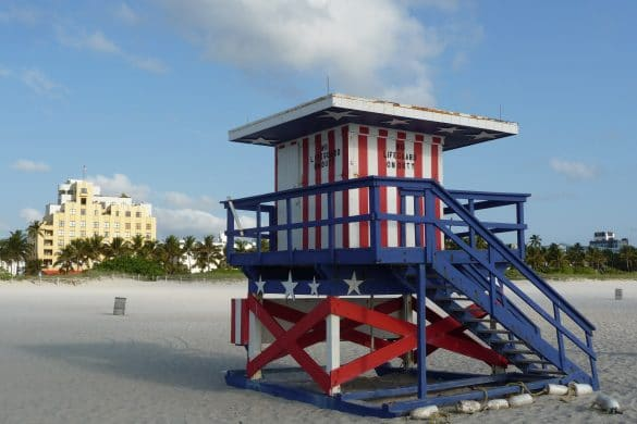 lifeguard cabin miami beach usa flag