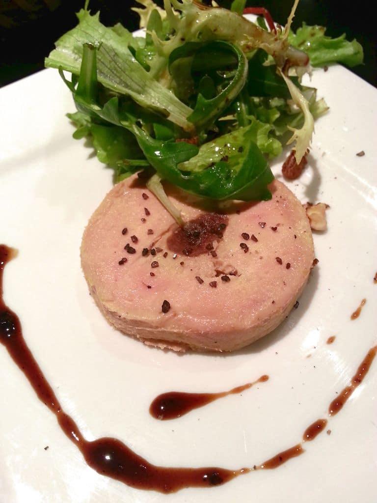 tranche de foie gras truffé aux figues