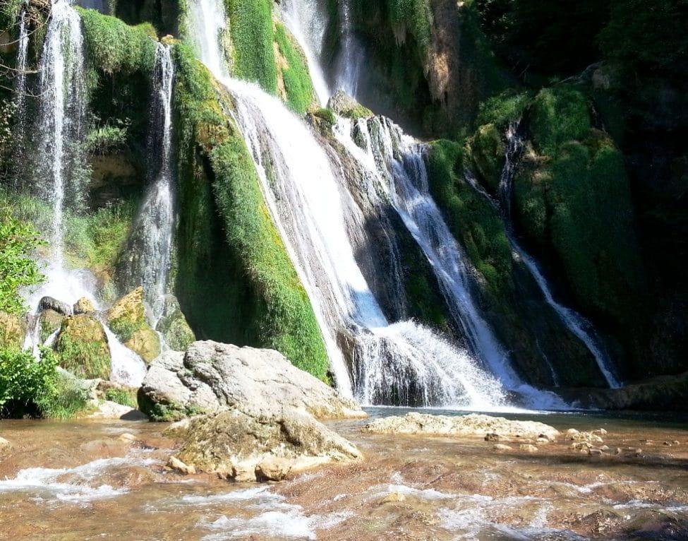 Populaire Escapade à la cascade de Glandieu | HappyCurio RL77