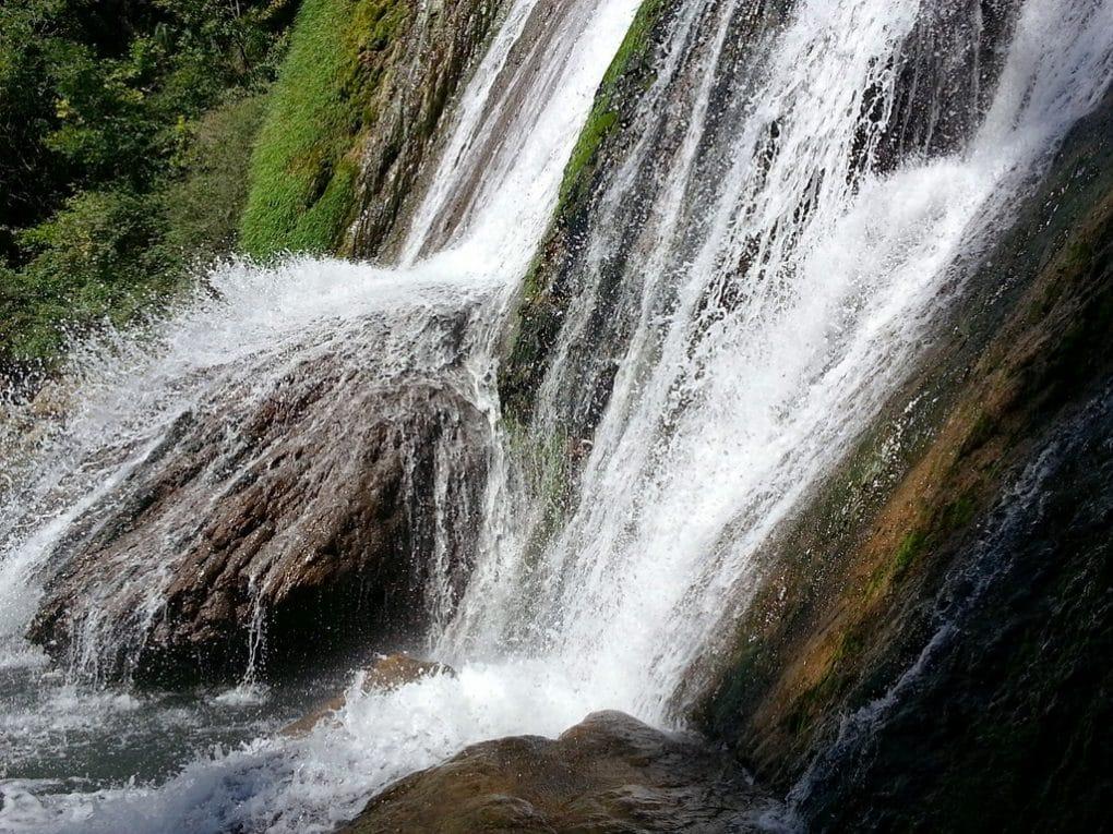 eau cascade de glandieu ain