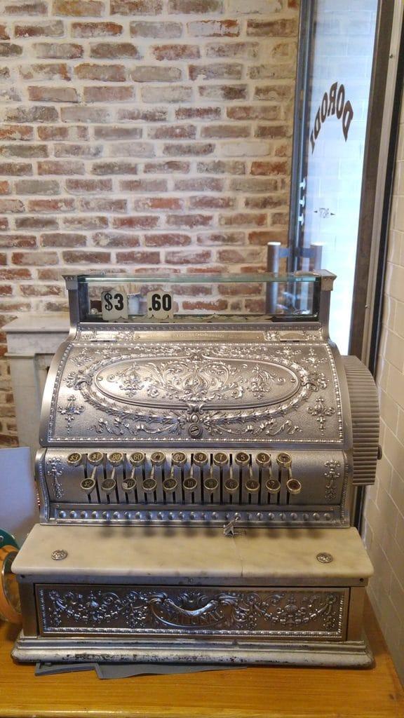 dorodi-pastry-caisse-enregistreuse-retro