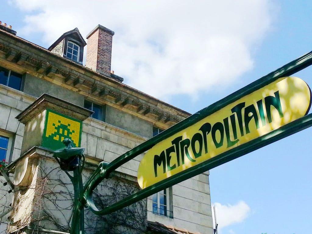 space-invader-metro-denfert-paris-street-art