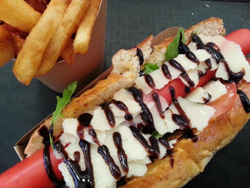 venezia-hot-dog-hot-globe