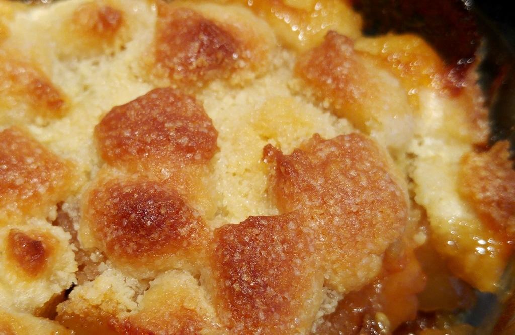 recette-crumble-aux-poires-amandes-raisins