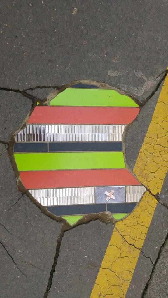 ememem-applecadam-street-art-lyon