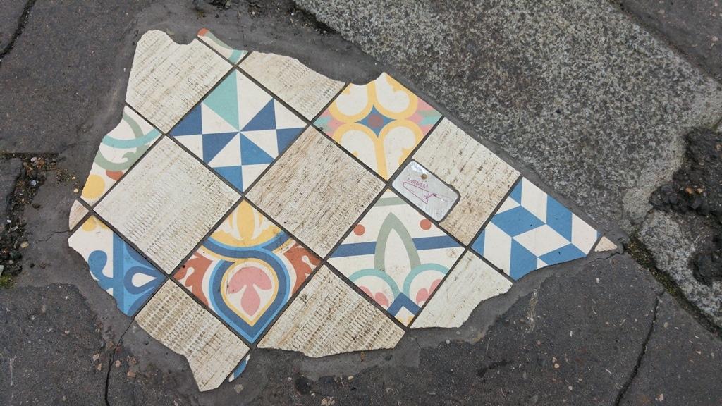 ememem street art lyon rue bonnefoi
