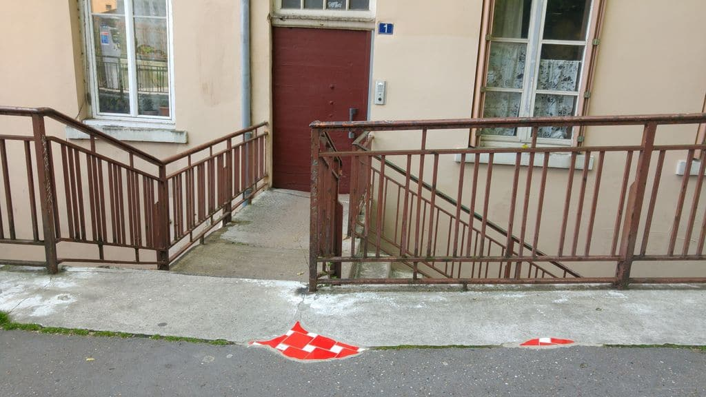 ememem street art place colbert lyon