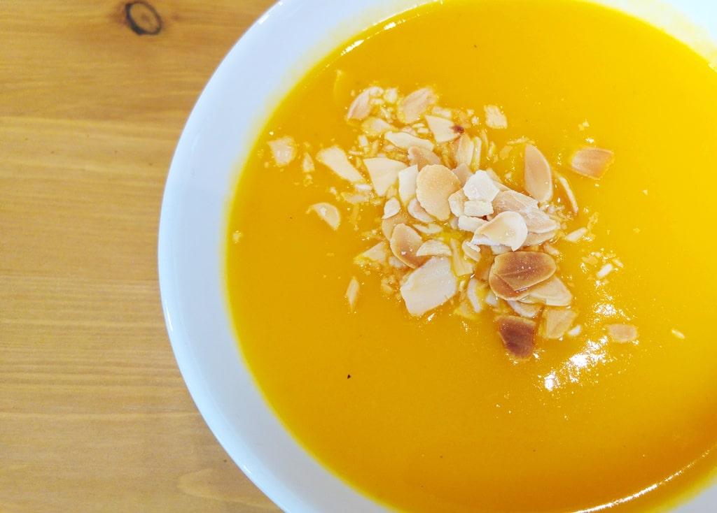 kaova cafe formule dejeuner soupe carotte fromage amandes