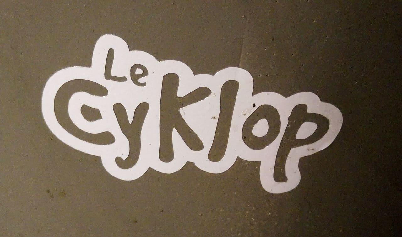 le cyklop street art potelet