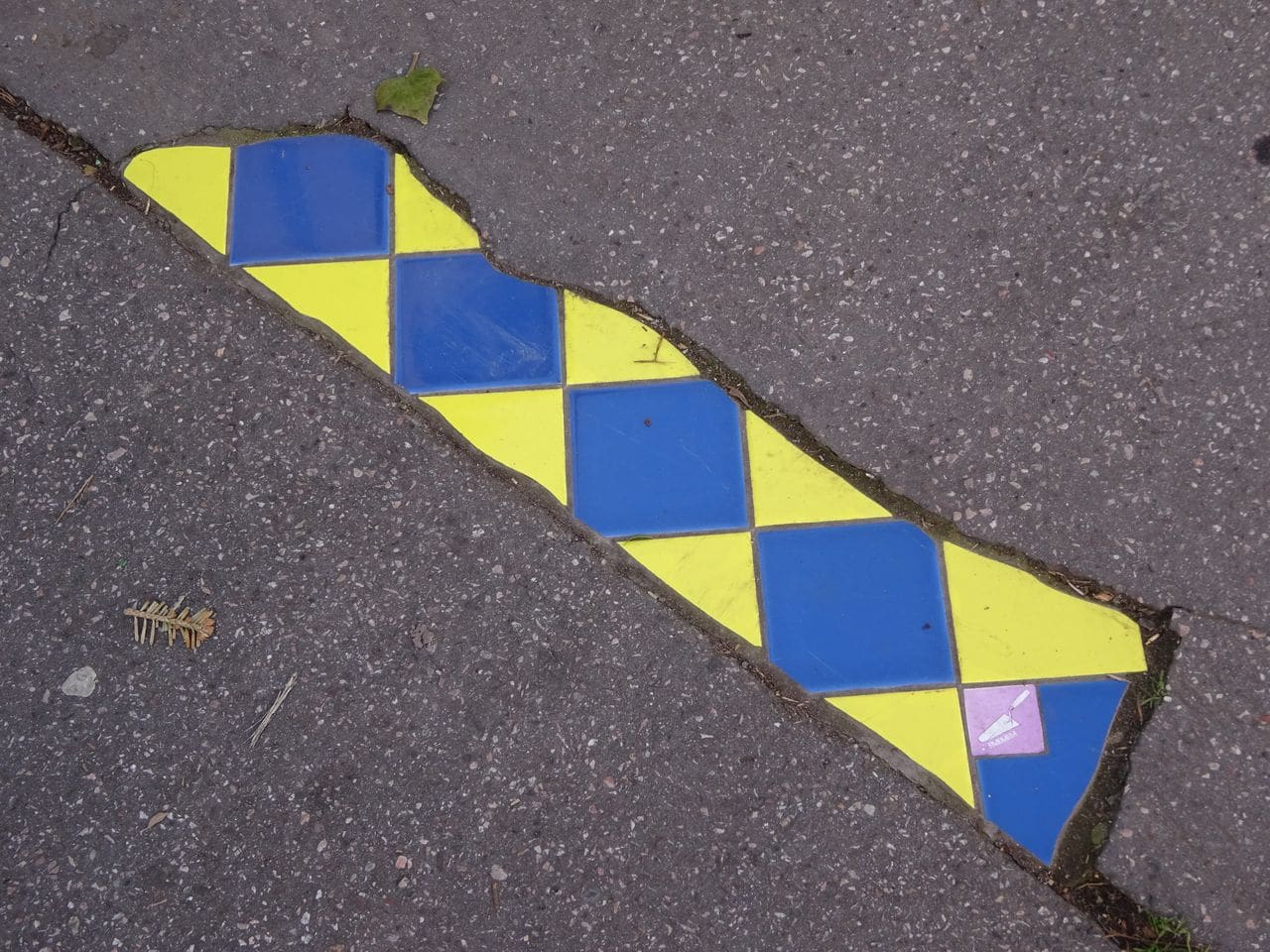ememem street art lyon flacking