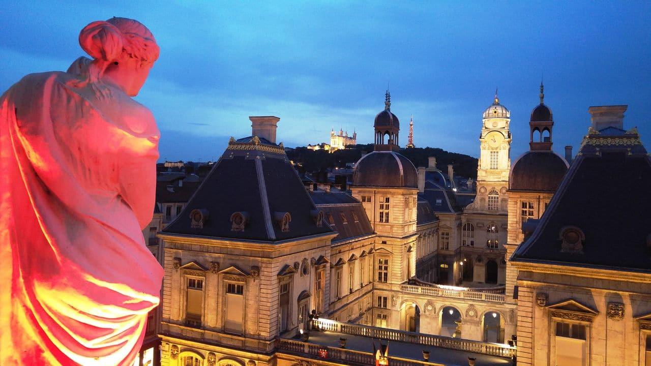happy curio bar opera aperol spritz terrasse lyon