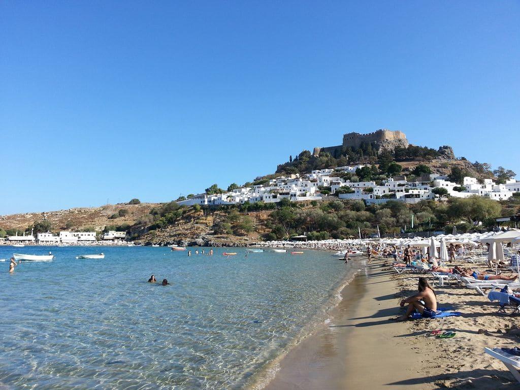 lindos plage vue sur acropole