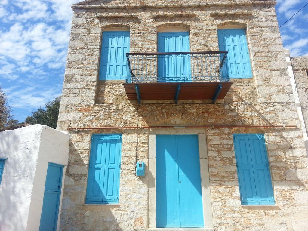 symi maison en pierre