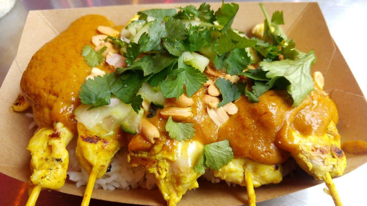 happycurio bangkok meilleures brochettes sathay paris street food rue eugene varlin