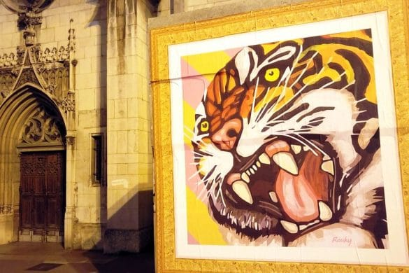 happycurio rauky article street art affiche collee rues de lyon