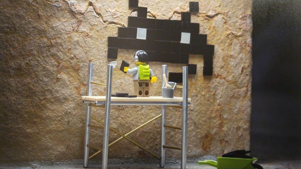 happycurio samsofy invader lyon lego art
