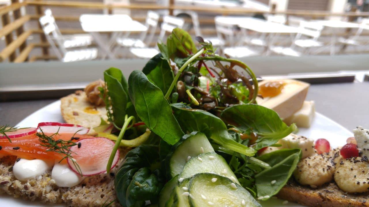 happycurio smorre brod lyon assiette brunch danois