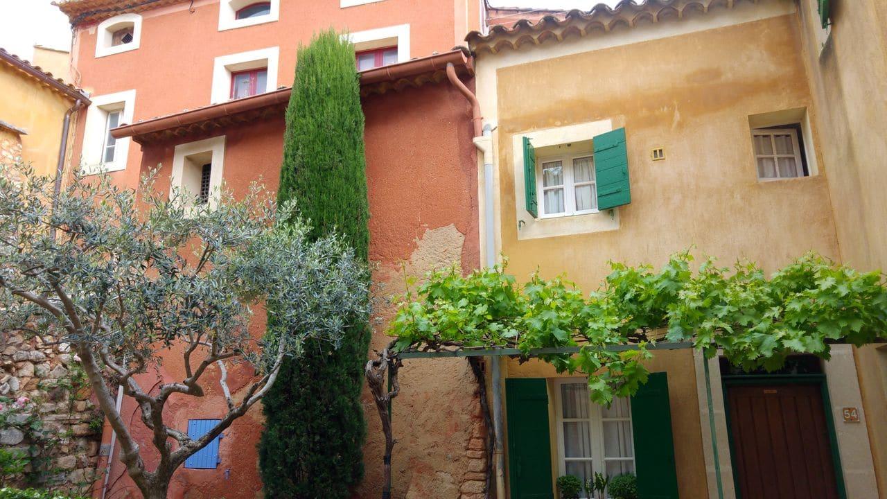 happycurio visite de roussillon près du colorado provencal