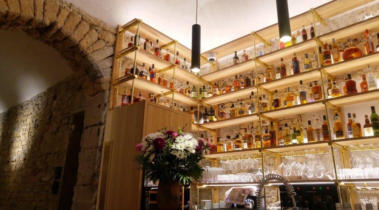 happycurio victoire et thomas bar vin spiritueux tapas gastronomie lyon arbre sec
