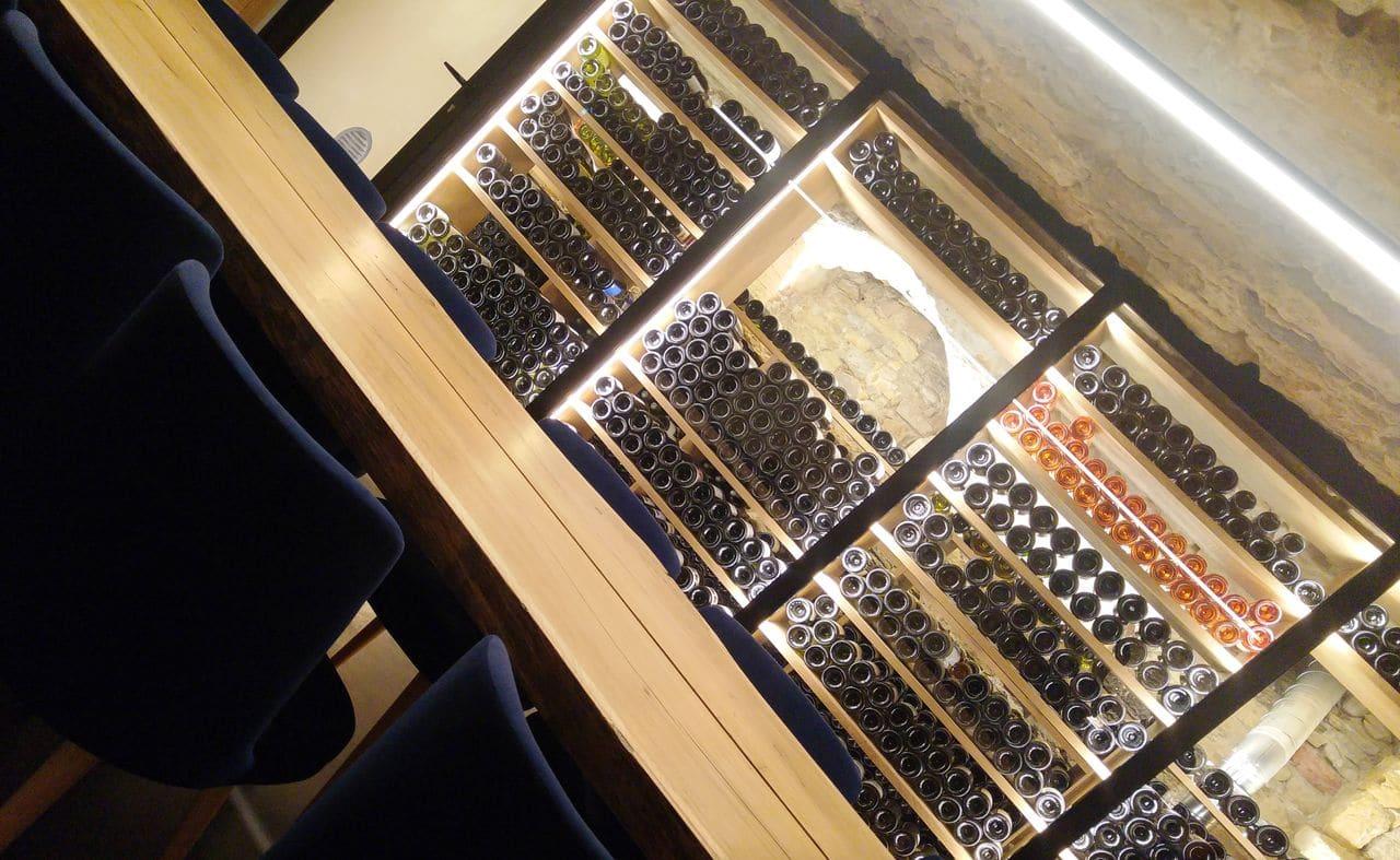 happycurio victoire et thomas bar vin whisky rhum cave lyon