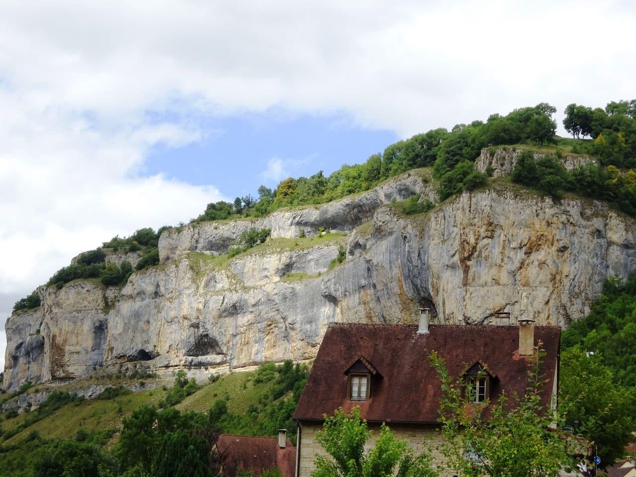 happycurio baume les messieurs l'un des plus beaux villages de france