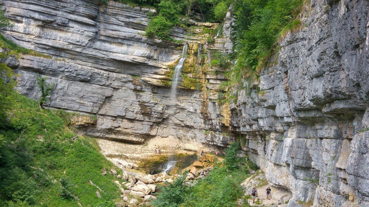 happycurio cascades herisson lac jura tourisme
