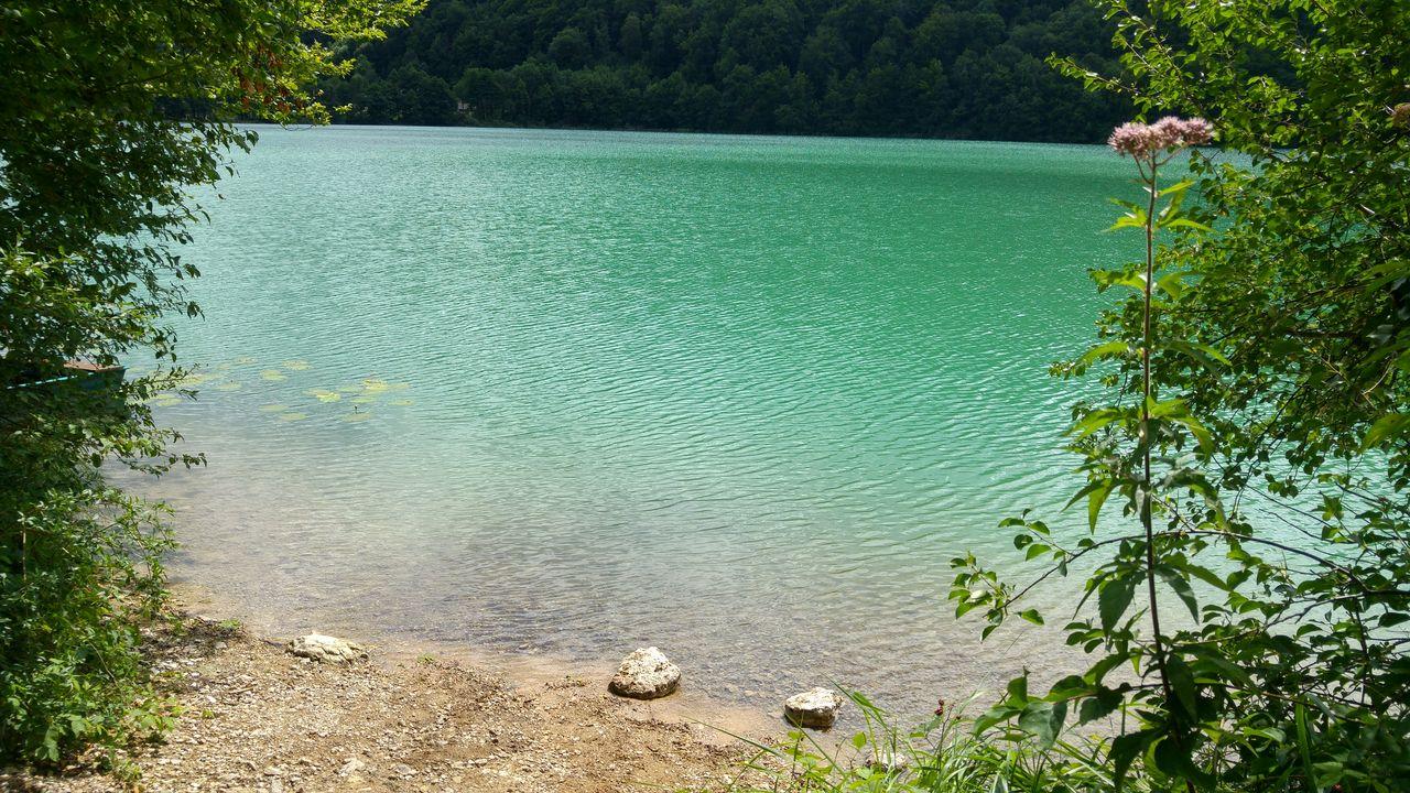 happycurio lac jura baignade peche