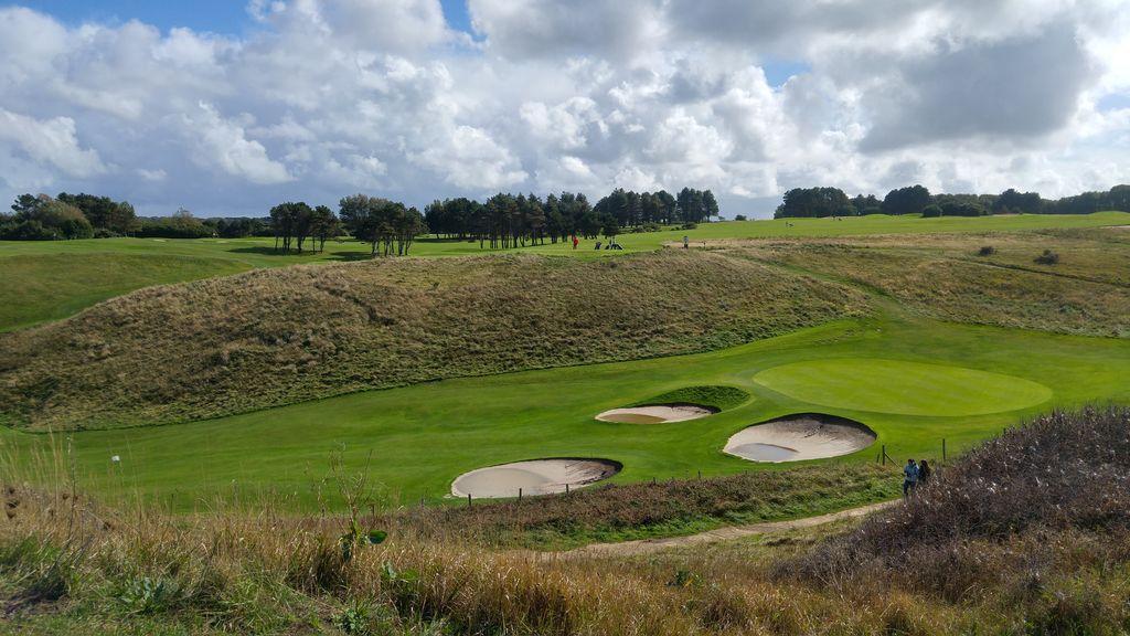 happycurio etretat falaises golf