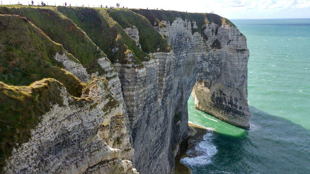 happycurio etretat falaises nature mer seine maritime
