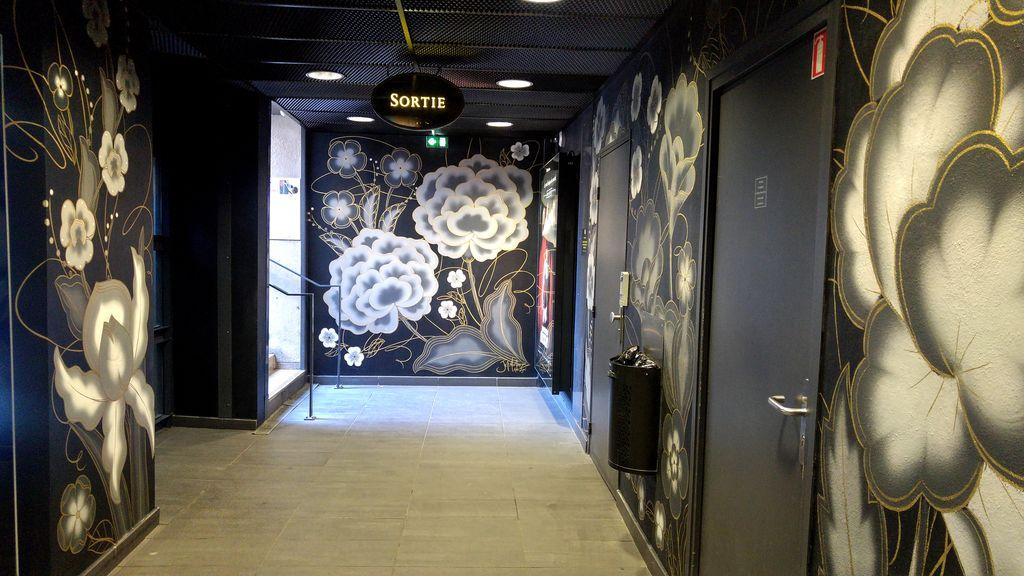 happycurio parking lpa hotel de ville lyon street art wall drawings