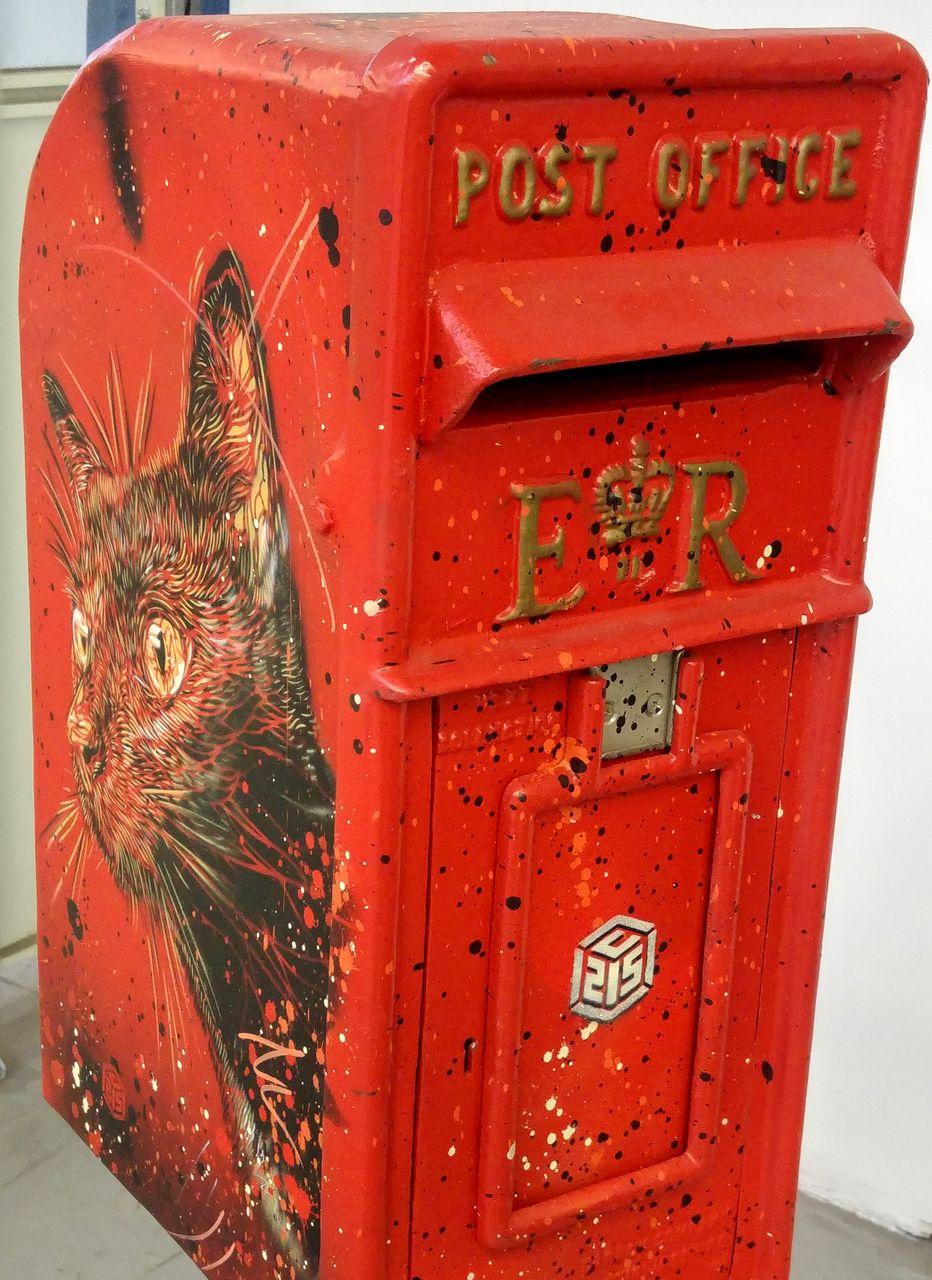 happycurio aerosol sncf paris street art c215 boite lettres