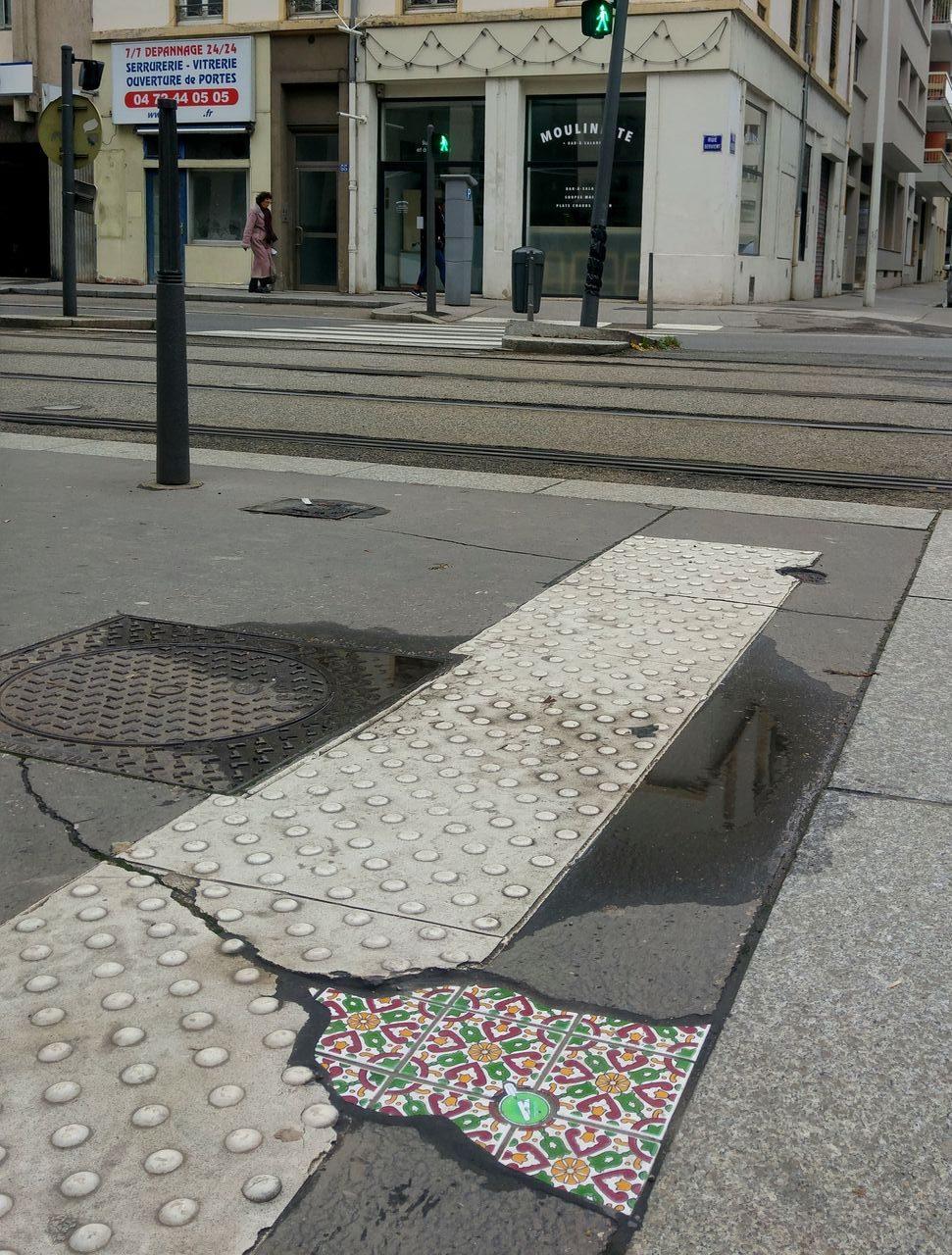 happycurio moulinette ememem lyon art de rue