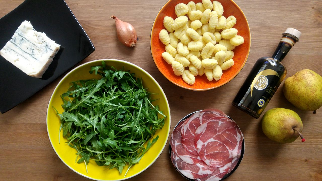happycurio recette gnocchis poire gorgonzola coppa vinaigre balsamique roquette