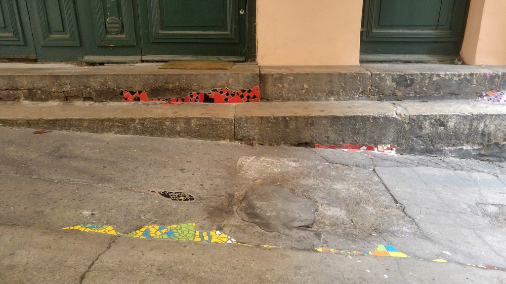 happycurio rue des capucins lyon street art ememem flacking