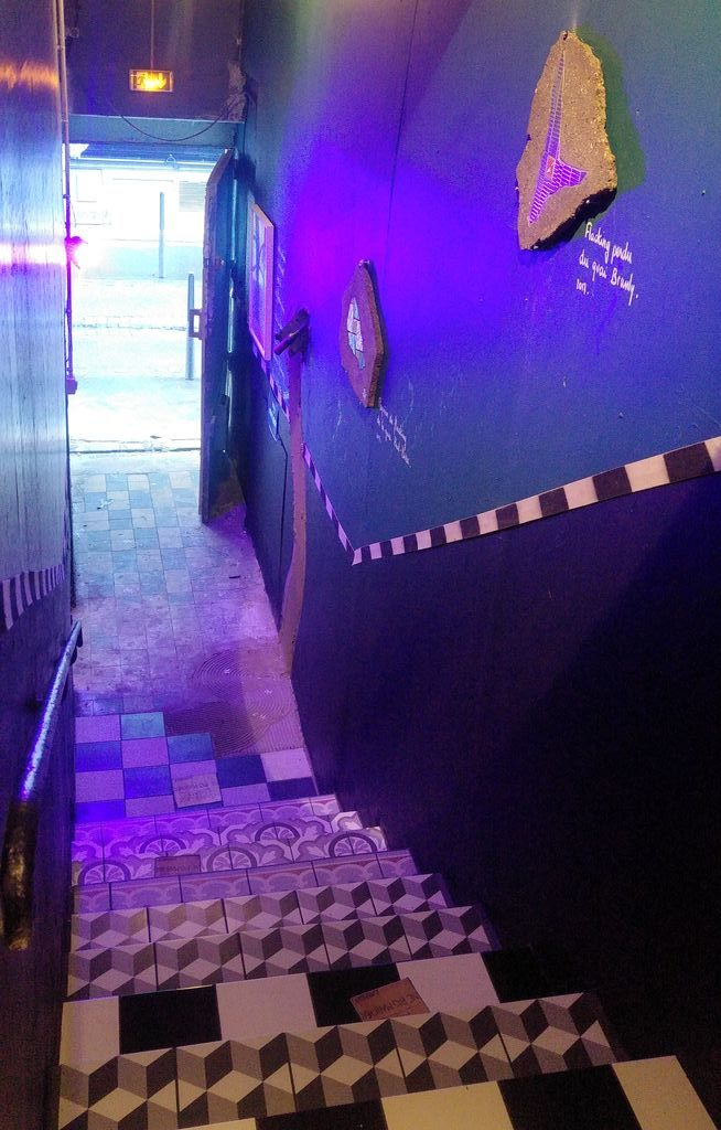 happycurio escalier ememem taverne gutenberg lyon
