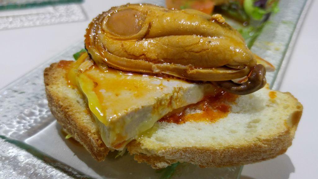 bar a tapas original seville moule foie gras