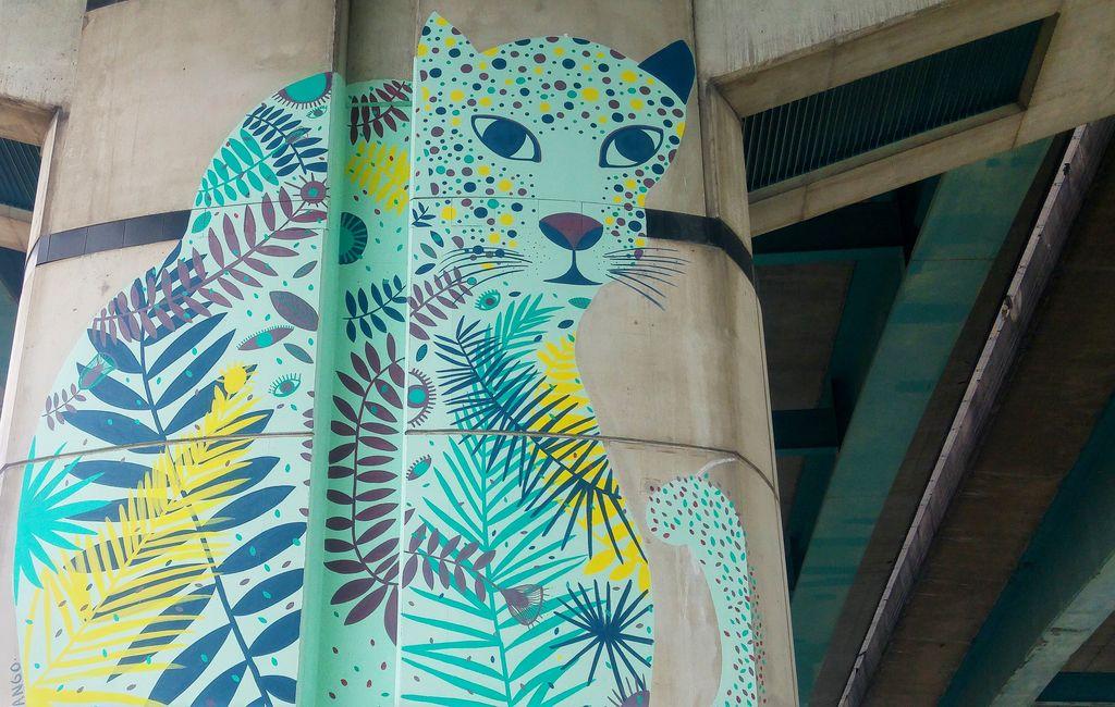 happycurio street art insolite paris alexandra arango
