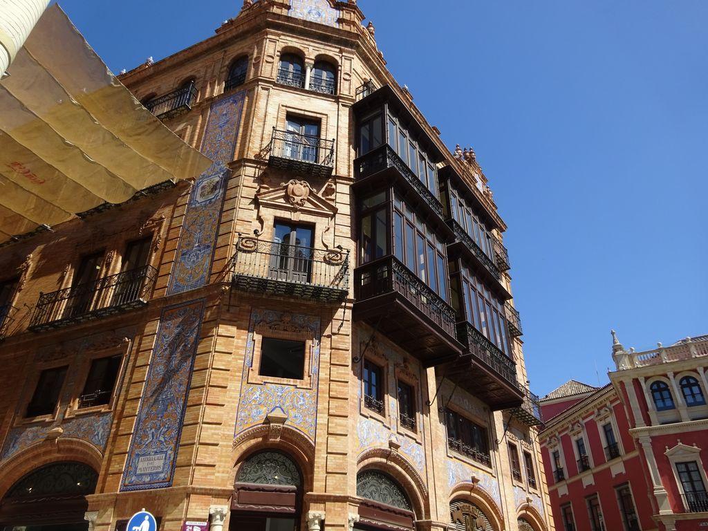 seville plaza nueva