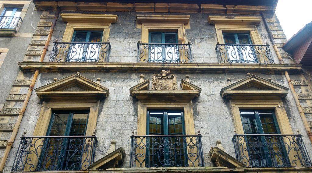 happycurio balade fontarrabie espagne basque frontiere