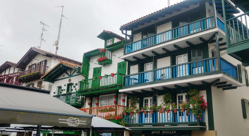 happycurio fontarrabie pays basque voyage