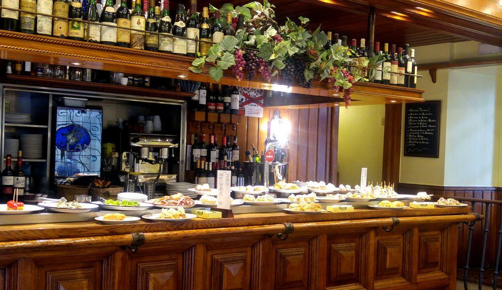 happycurio san sebastian pintxos bar