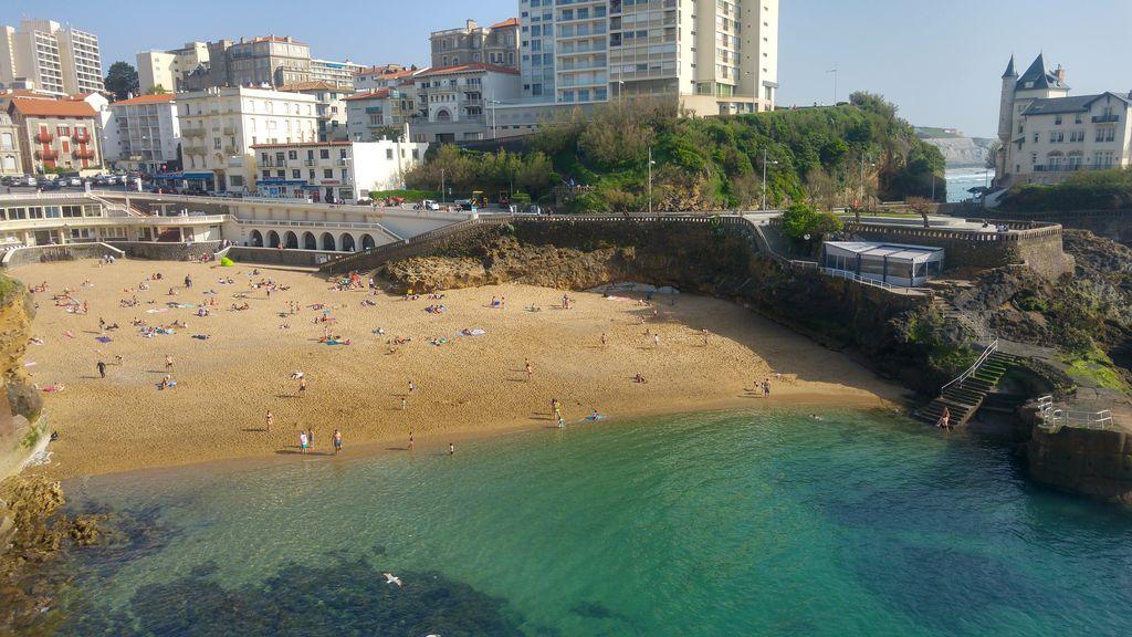 happycurio biarritz plage du vieux port