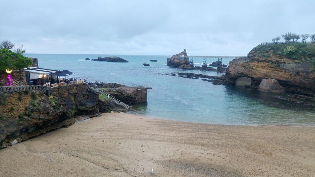 happycurio biarritz plage vieux port