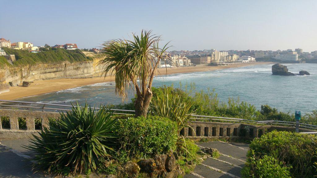 happycurio biarritz vue du phare