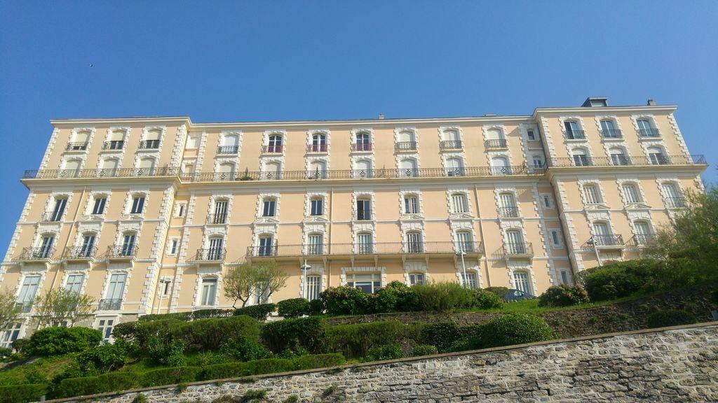 happycurio biarritz