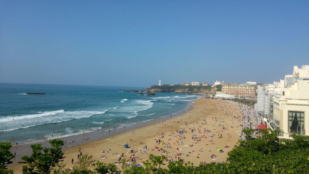 happycurio plage biarritz